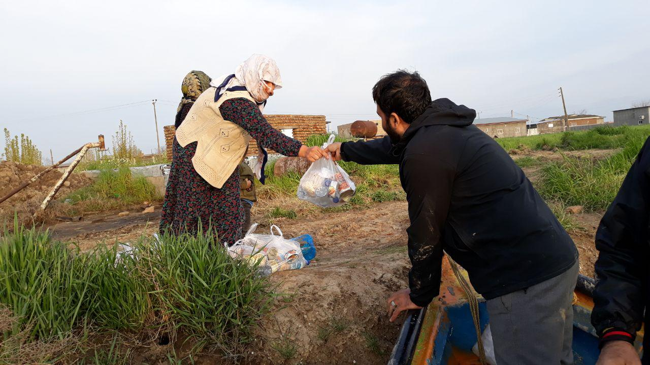 حاج مهدی مختاری در مناطق سیل زده آق قلا